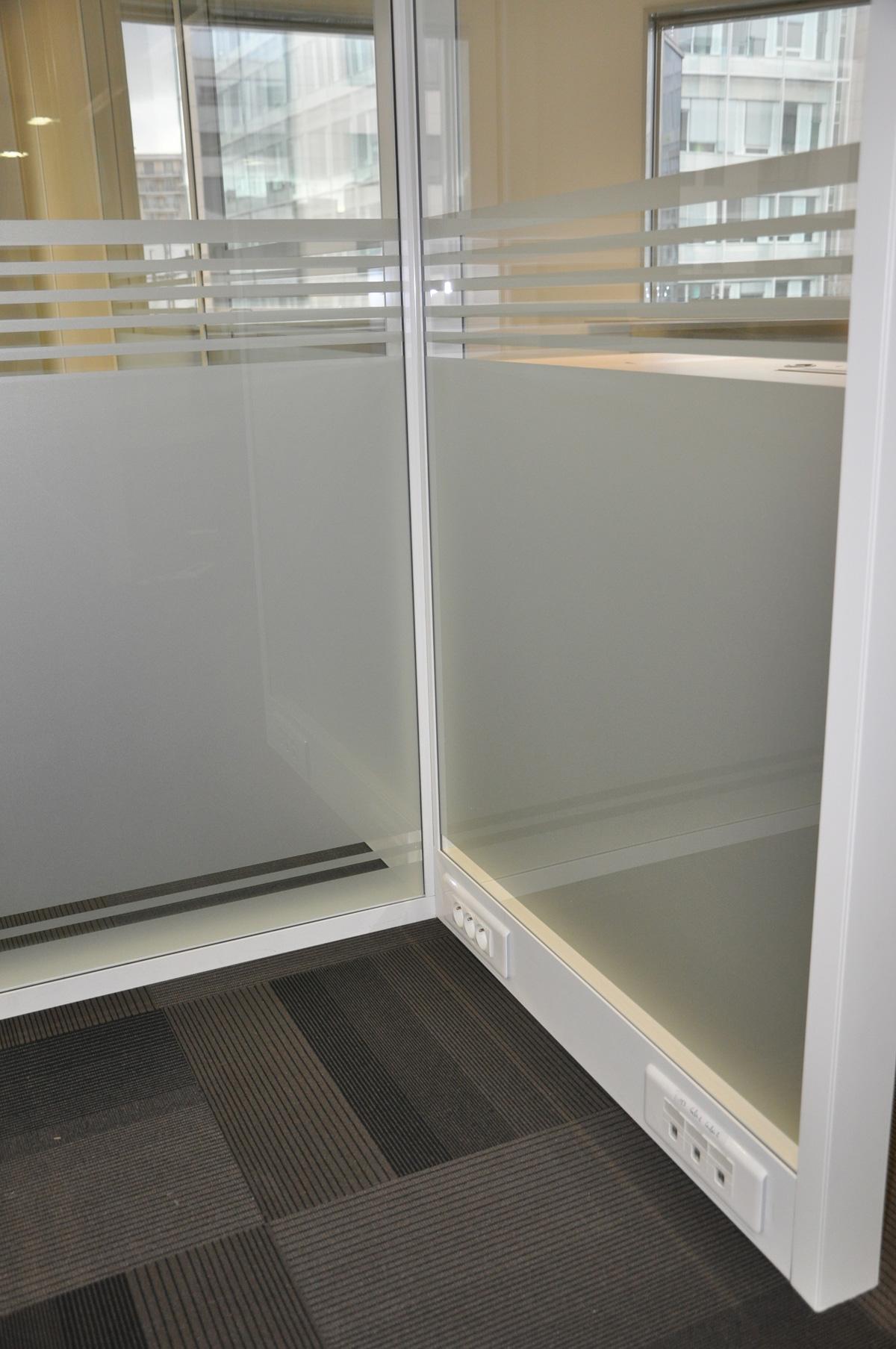 cloison amovible avec couvre joint. Black Bedroom Furniture Sets. Home Design Ideas